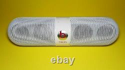 Authentic Beats Pill 2.0 Bluetooth speaker with charge out White