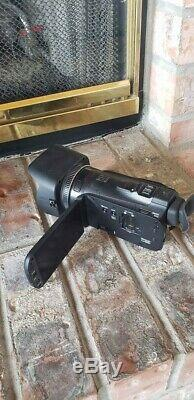 Canon HF G20 (32 GB) AVCHD Camcorder Used less than 10 times