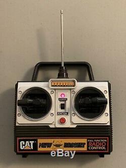 1992 New Bright 245d Caterpillar Cat Pelle Télécommande Sans Fil Testée