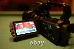 Canon Xa10 64 Go Avec Batteries Supplémentaires, Objectif Grand Angle, Et Plus Encore